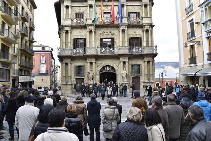 Martxoaren 8ko mobilizaziora joateko deia zabaldu du Iruñeko Udalak