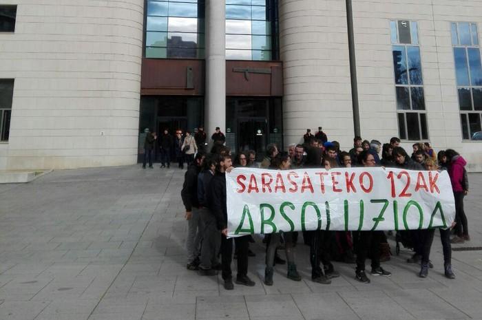 Sarasateko okupazioarengatik, 45 hilabeteko eta 7.000 euroko zigor eskaerak