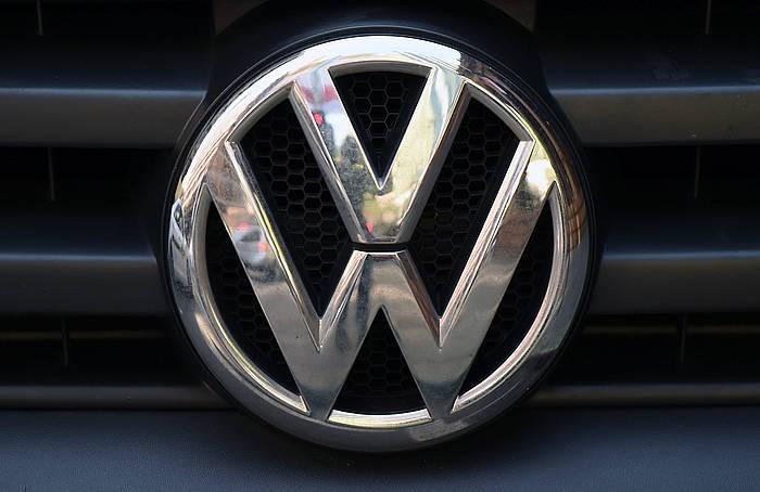Polo berriari lotutako inbertsioei eutsiko die Volkswagenek Landabenen