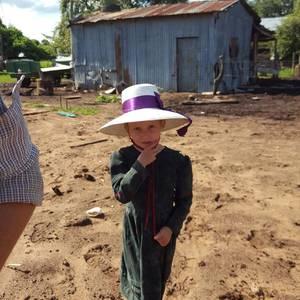 Boliviako menonitak duela 200 urte bezala bizi dira