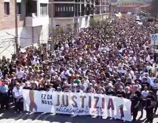 Bi aldarri nagusi Altsasuko elkartasun manifestazioan: justizia eta askatasuna