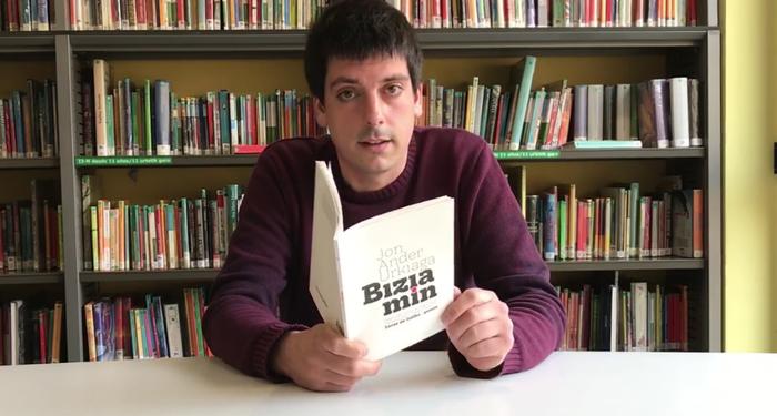 """LIBURU AURKEZPENA: """"Bizia min"""" Jon Ander Urkiaga"""