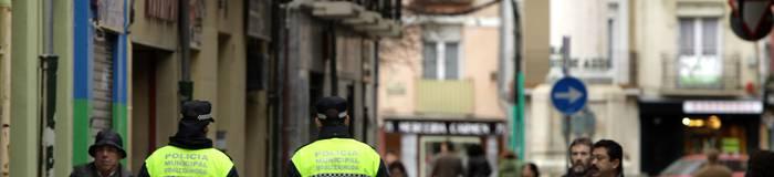 Polizia legearen aurka 3.600 sinadura aurkeztu dituzte hainbat polizia sindikatuk