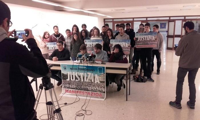 Altsasuko gazteen aldeko manifestazioari sostengua eman diote hainbat gazte antolakundek