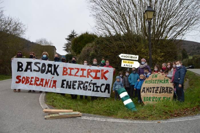 Bost martxa nordiko eta ultra korrika bat Iruñerriko bost proiektu eolikoren aurka