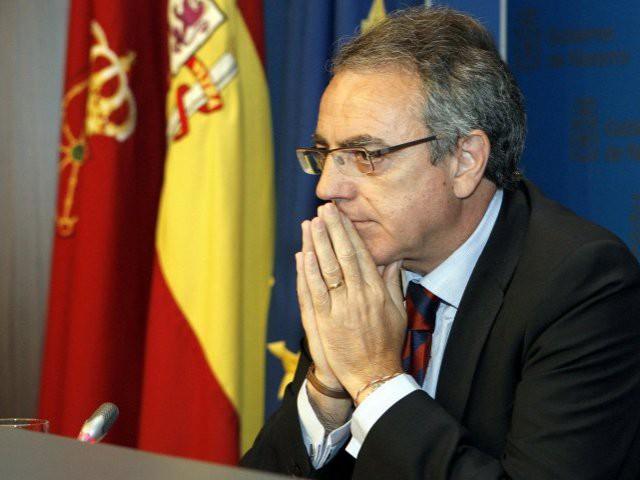 Miguel Sanz, ate birakarien lehendakari: urtero 114.000 euro poltsikoratzen ditu