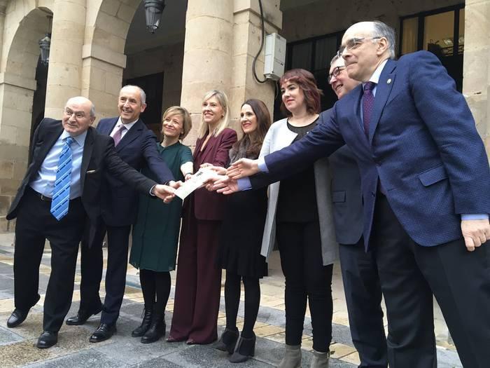 Oinarrizko Hiztegi Juridiko-Parlamentarioa aurkeztu dute 1.754 hitzez osatua