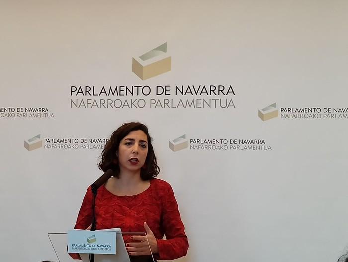 Ahal Duguko zuzendaritzaren kontrako bide legalak hartuko dituela iragarri du Laura Perez parlamentariak