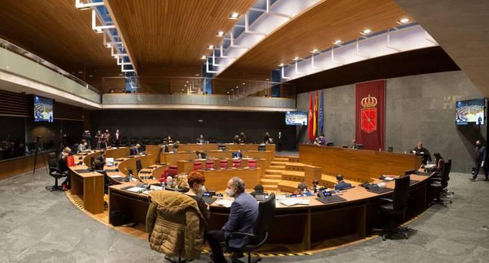 Nafarroako Parlamentuak aho batez onartu du Zabalzaren kasua iker dezatela eskatzea