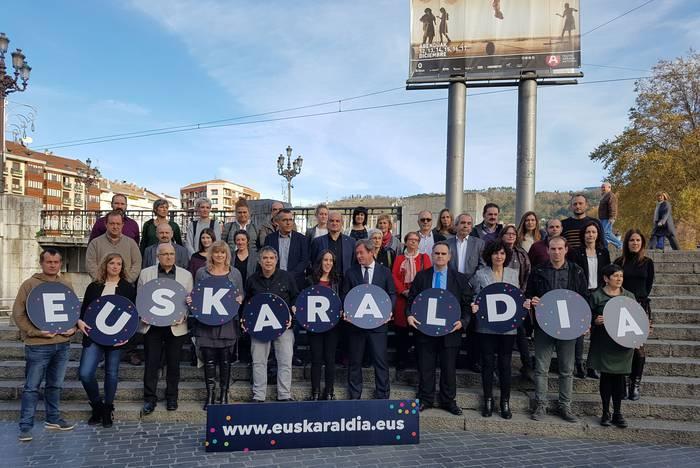 """Euskararen erabilera sustatzeko """"Euskaraldia, 11 egunez euskaraz"""" ekimena aurkeztu dute"""
