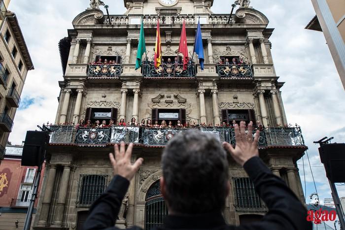 Larunbat eguerdian opera eta zarzuela emanaldia Udaletxeko balkoietatik
