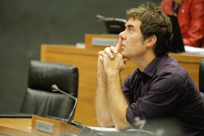 """Eduardo Santos: """"Podemos zalantzan jartzen duenak beste proiektu bat sortu beharko luke"""""""