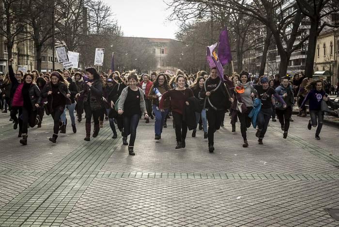 """""""Antolatu indarrak, batu borroka feministara!"""""""