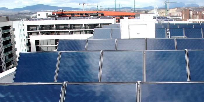 Iruñeko Udalak 22 neurriko Energia-Plan bat aurkeztu du autonomia eta burujabetza energetikoa areagotzeko