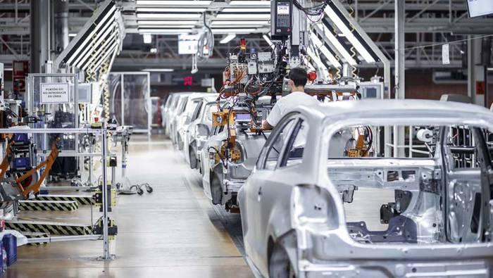 Volkswagenek jarduerari ekin dio berriro, hilabeteren ondoren
