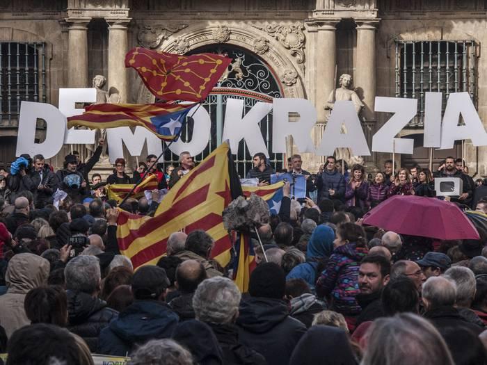 Katalunia auziko epaiketaren aurkako mobilizazioa deitu du ANCk otsailaren 12rako, Iruñean