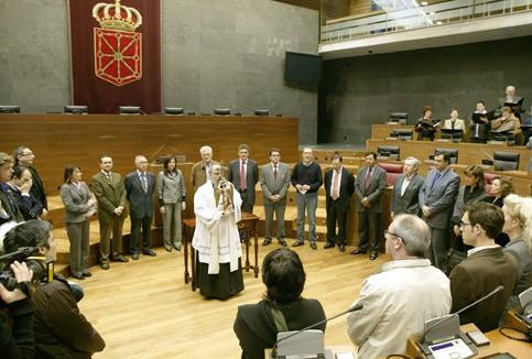 Aralarko Aingerua bihar izanen da Parlamentuan
