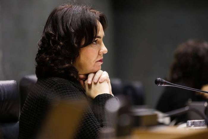 Ainhoa Aznarezek parlamentuko presidente izaten segituko du