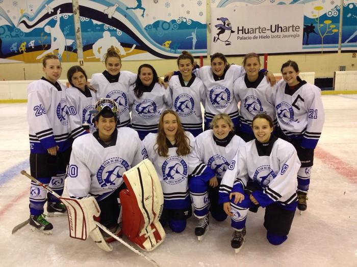 Uharte Izotz-Hockey nesken taldea estatuko txapeldun tituluaren bila