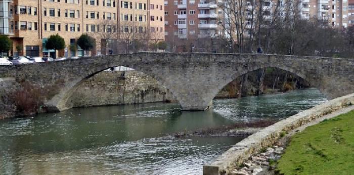 """Santa Engraziako presa """"behin betiko"""" konpontzea eskatu du Iruñeko Udalak"""