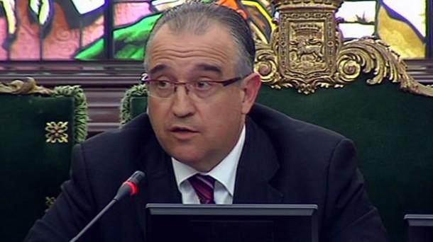 """Enrique Maya: """"Legegintzaldi honek ez dezala Iruñea hipotekatu; lan horretan ari da UPN"""""""