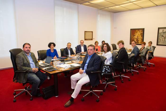 Sakabanaketaren aurkako adierazpena onartu du Nafarroako Parlamentuak
