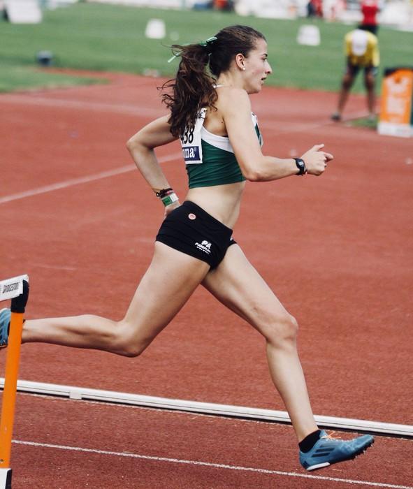 Nerea Bermejo atleta etxera bueltan, Missourin urte bete eman eta gero