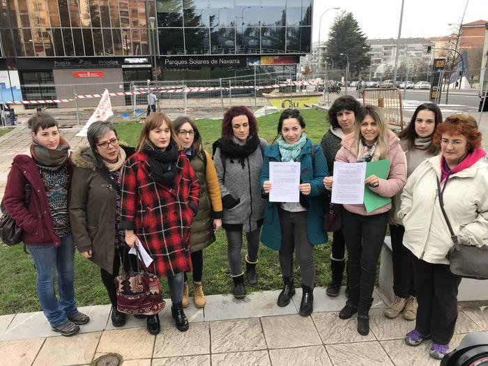 Martxoaren 8-ko greba feministan parte hartzeko deia egin dute sindikatuek