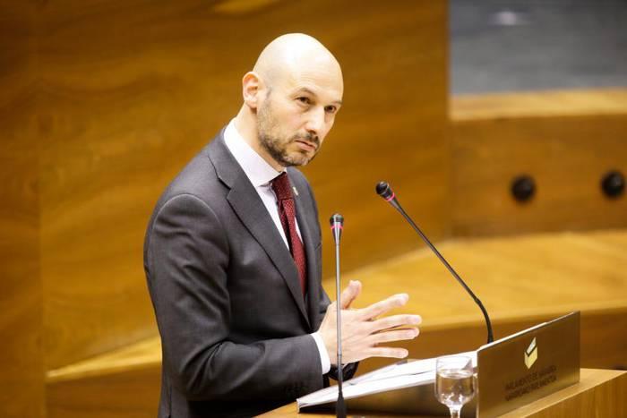 """10.000 euroko kalte ordaina eskatu dio Iriartek Cerdani, """"faxista"""" deitzeagatik"""