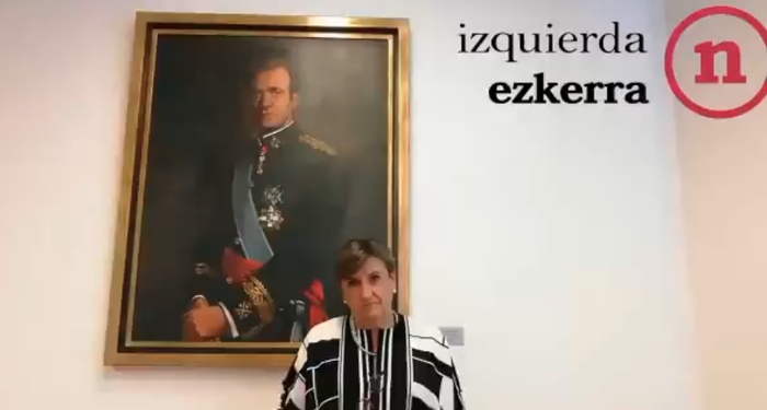 Parlamentuak uko egin dio Errege emerituari Nafarroako urrezko domina kentzeari
