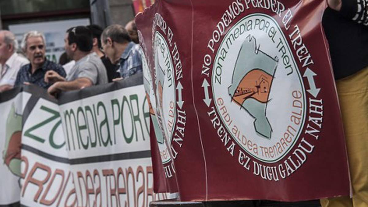 AHTren kontrako eta tren soziala bultzatzearen aldeko jarrera hartu dute alderdi politiko batzuek