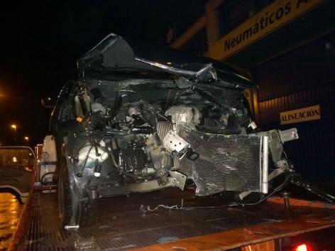 Mikel San Sebastian Lesakako presoaren lagun batek auto istripua izan du