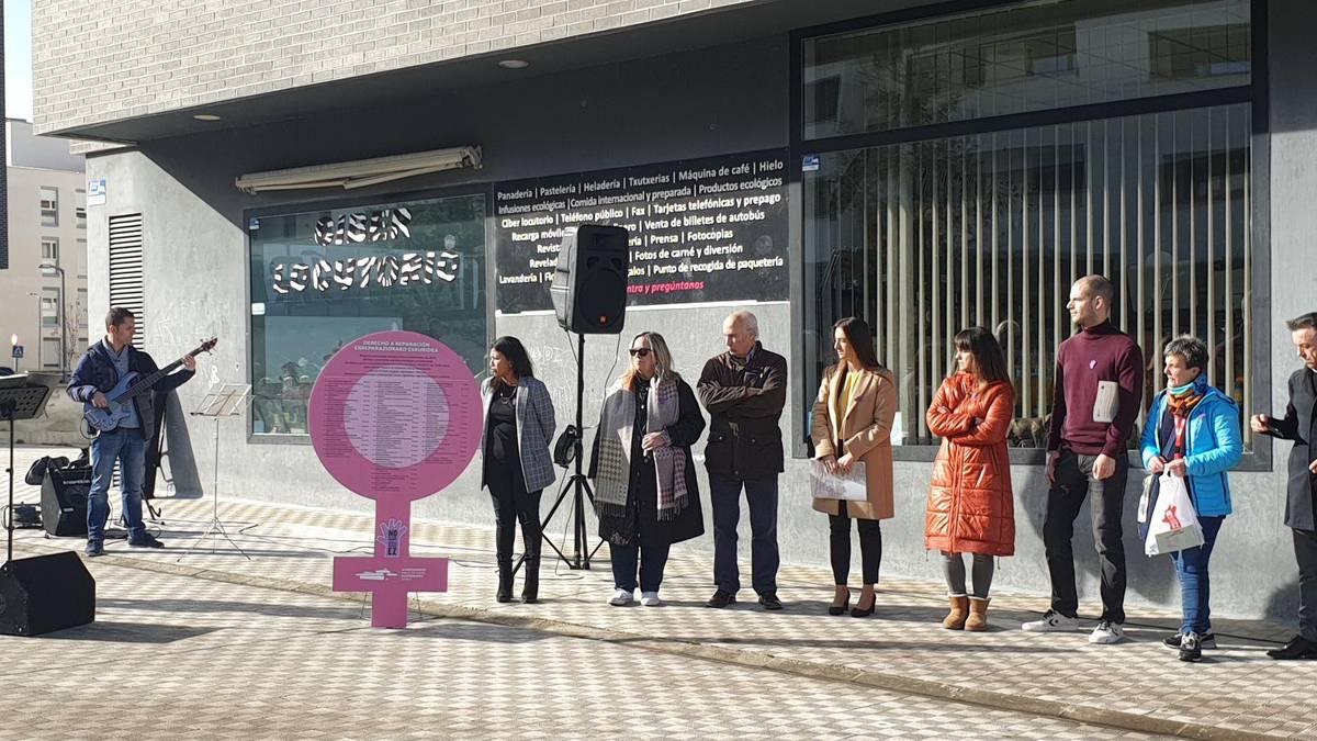 Eguesibarko feministek indarkeria matxistak eraildakoak gogoratuko dituzte performance batekin