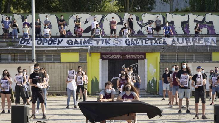 Burlatako Udalak gaztetxeari jarritako oztopoak salatzeko protestara deitu dute