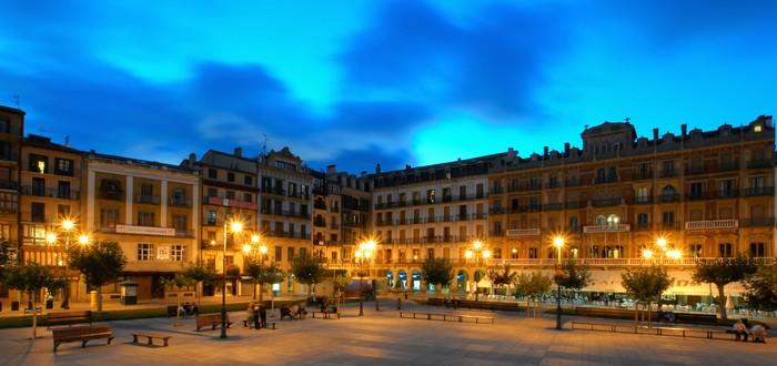 Apartamentu turistikoak legez arautuko ditu Iruñeko Udalak