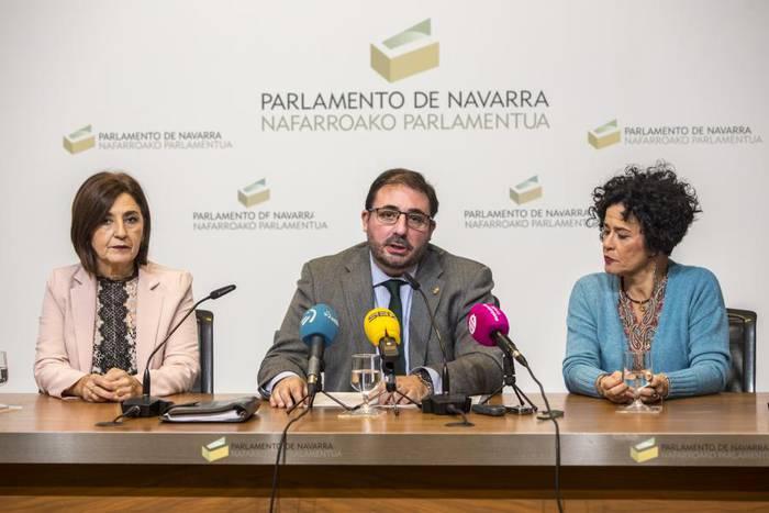 Euskaltzaindiak jasoko du Nafarroako Parlamentuaren urrezko domina