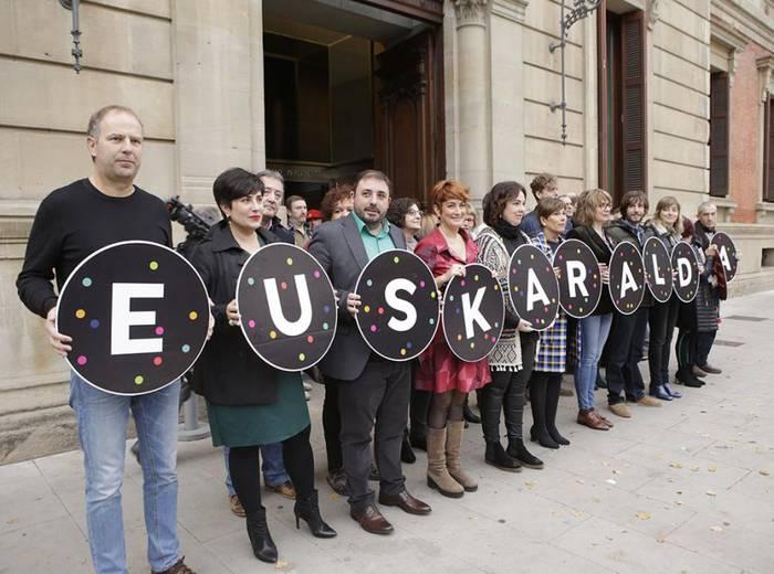 Gaurko protestarekin bat egin dute EH Bilduk, Geroa Baik eta Ahal Duguk