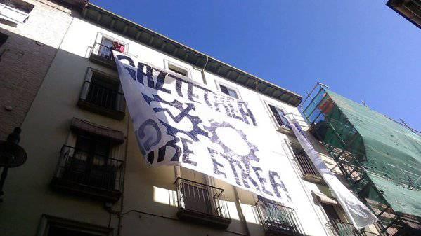 Parlamentuak ez du onartu Iruñeko gaztetxearen auzia negoziatuta konpontzea