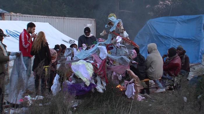 """Errefuxiatuei mugak zabaltzeko eta Nafarroak """"gutxienez"""" 300 hartzeko exijitu du Iruñeak"""