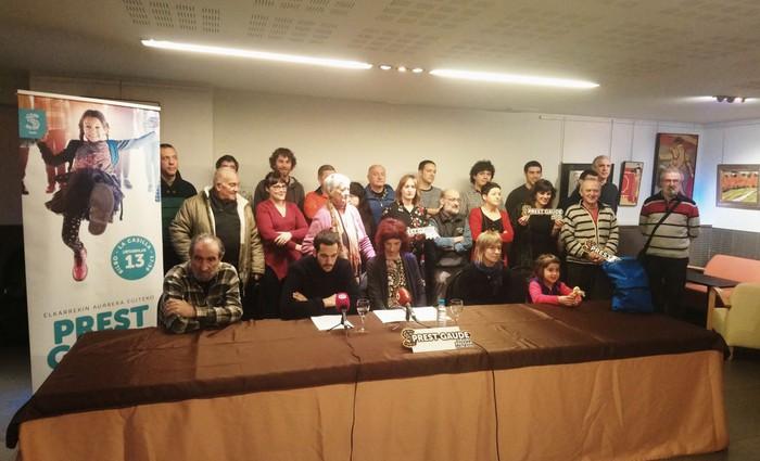 Euskal presoen eskubideen urraketarekin amaitzeko ordua dela esan dute gizarte zibilaren ehun ordezkarik