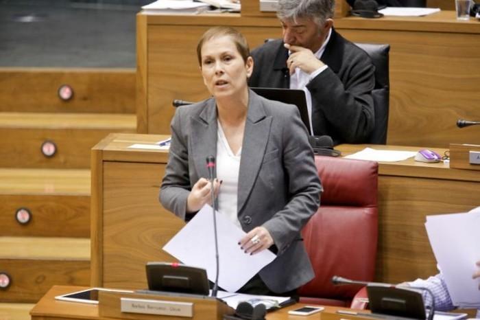 """Uxue Barkos: """"Erreforma fiskalarekin hasi gara zerbitzu publikoak duintzen"""""""
