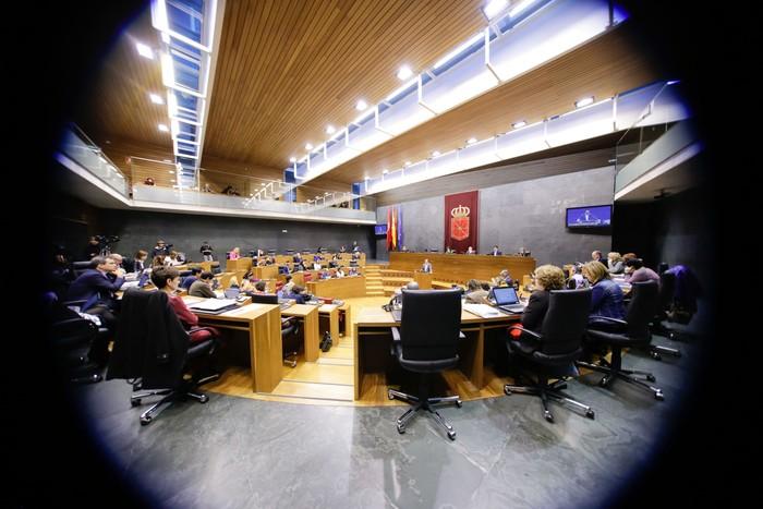 50.415 euroko soldata dute parlamentariek dedikazio esklusiboko kargu badira