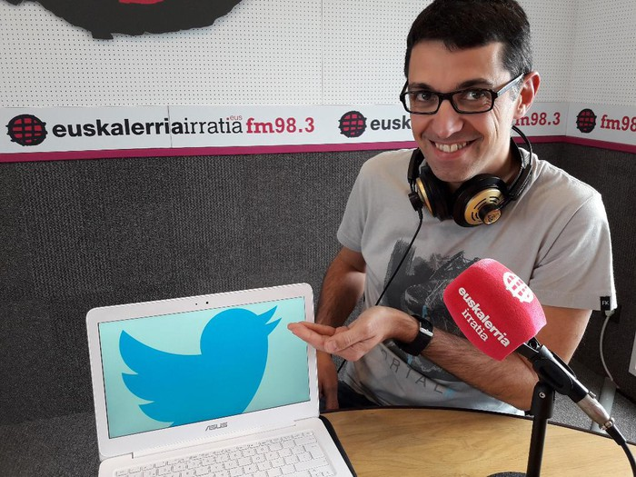 """Aitor Zandueta: """"Follower gutxi baduzu sare sozialetan ez zara inor"""""""