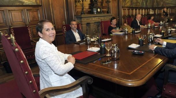 Nafarroako Gobernuaren jardunaren balorazioak hamarretik 4,92 puntu lortu ditu