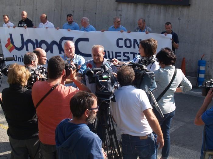 Guardia Civileko elkarte batek Altsasuko lankideak omendu ditu