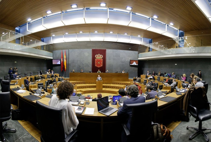 Mariano Rajoyren dimisioa eskatu du Nafarroako Parlamentuak