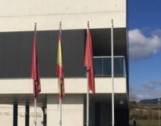 Eguesibarko Udalak Eropar Batasuneko bandera kendu du errefuxiatuengatik