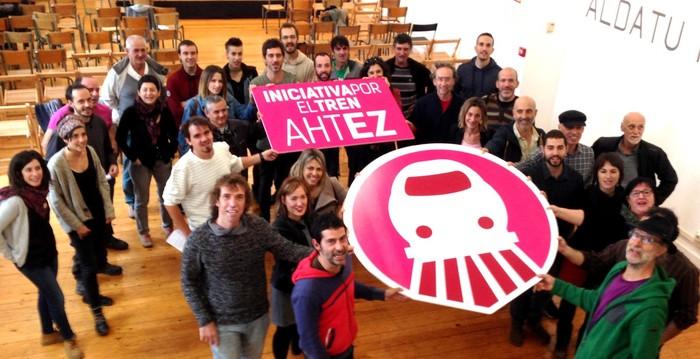 Tren sozialaren alde eta AHTren aurka manifestazioa eginen dute Iruñean