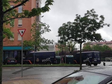 Arrotxapeko zortzi gazte atxilotu ditu Espainiako Poliziak