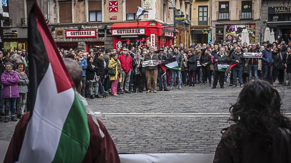 """Palestinarren aurkako """"etengabeko nakba"""" salatzeko protesta eginen dute larunbatean, Iruñean"""